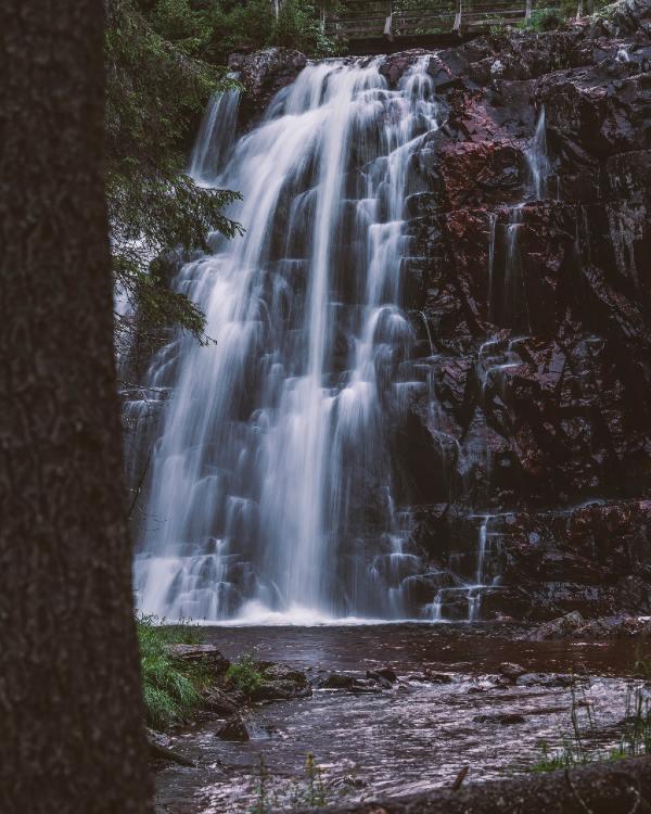 Stops vattenfall ligger lite utanför Brunnsberg. Det är ett väldigt fint vattenfall mit ute i skogen. Foto:Fredrik Larsson